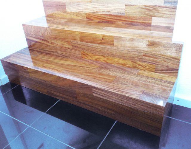 Treppe Holz Massiv Tischler Treppenbau Stahl