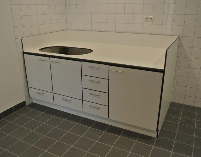 Wickelkommode HPL-Vollkernplatten wasserbeständig Maßanfertigung